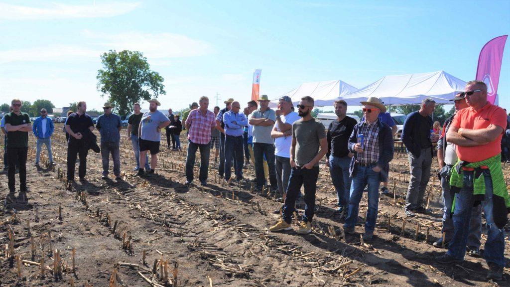 Kukuričný deň poľa v PD Špačince zaujal mnoho pestovateľov.