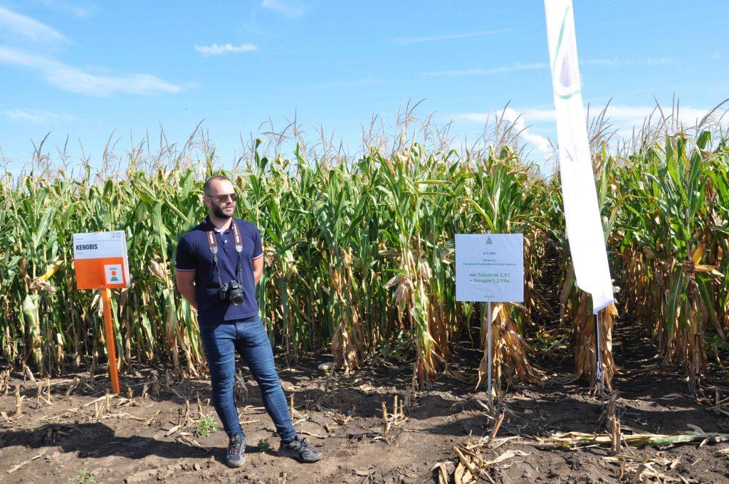 O možnostiach herbicídneho ošetrenia porastov kukurice pestovateľov oboznámil zástupca spoločnosti Adama Ing. Jozef Gembec.